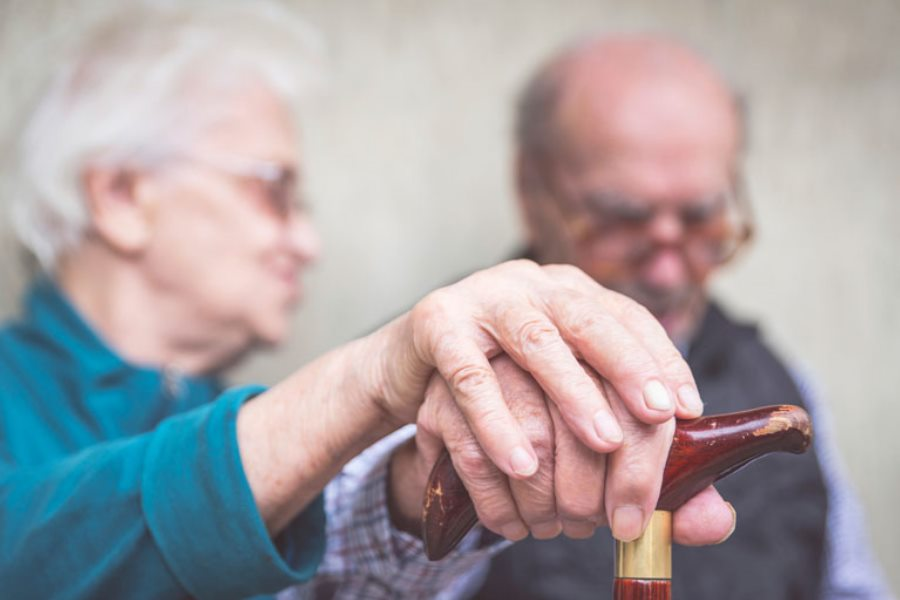Accompagnement des personnes atteintes de la maladie d'Alzheimer - Service d'aide à la personne - VIVAT